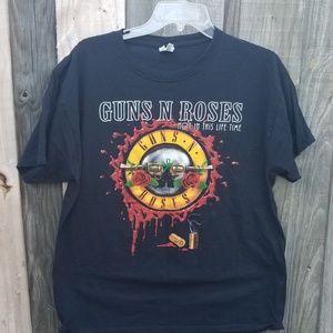 GUN N ROSES Concert Shirt 2017 Make offer